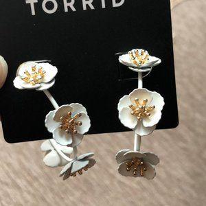 torrid Jewelry - Torrid Floral Matte Pendant and Hoop Earrings